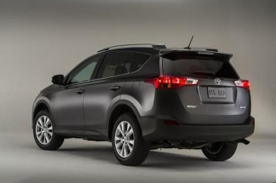 Toyota-RAV4-2-mat-siyah